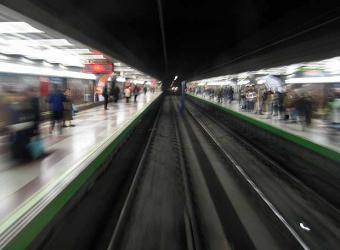 Foto del andén de una estación de la linea 6 de metro (elpais.com)